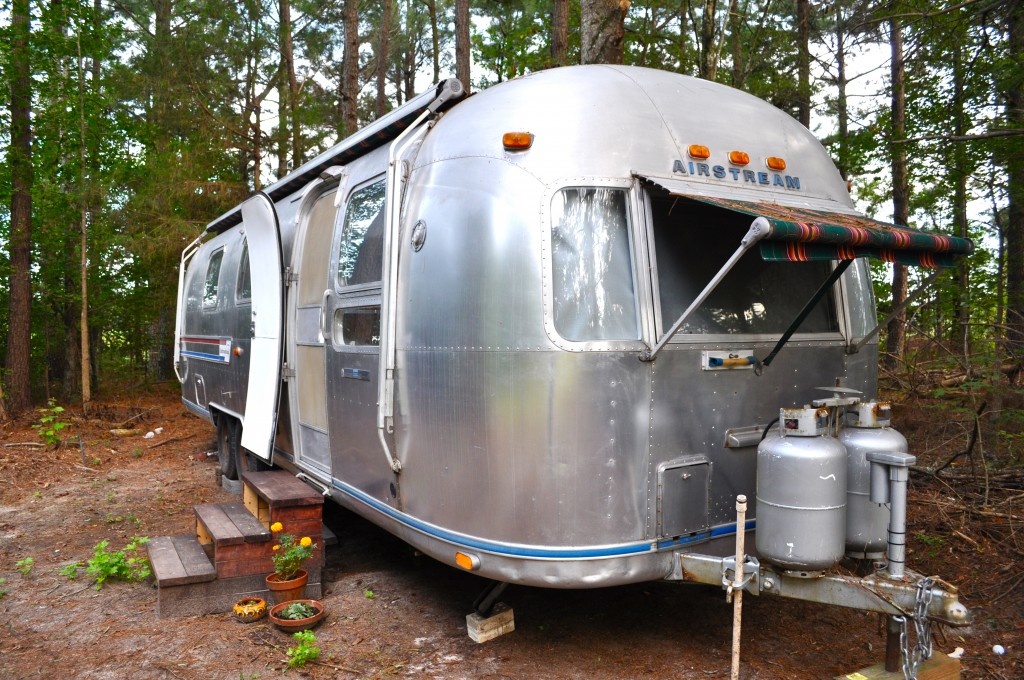 things i love about living in an airstream a small life. Black Bedroom Furniture Sets. Home Design Ideas