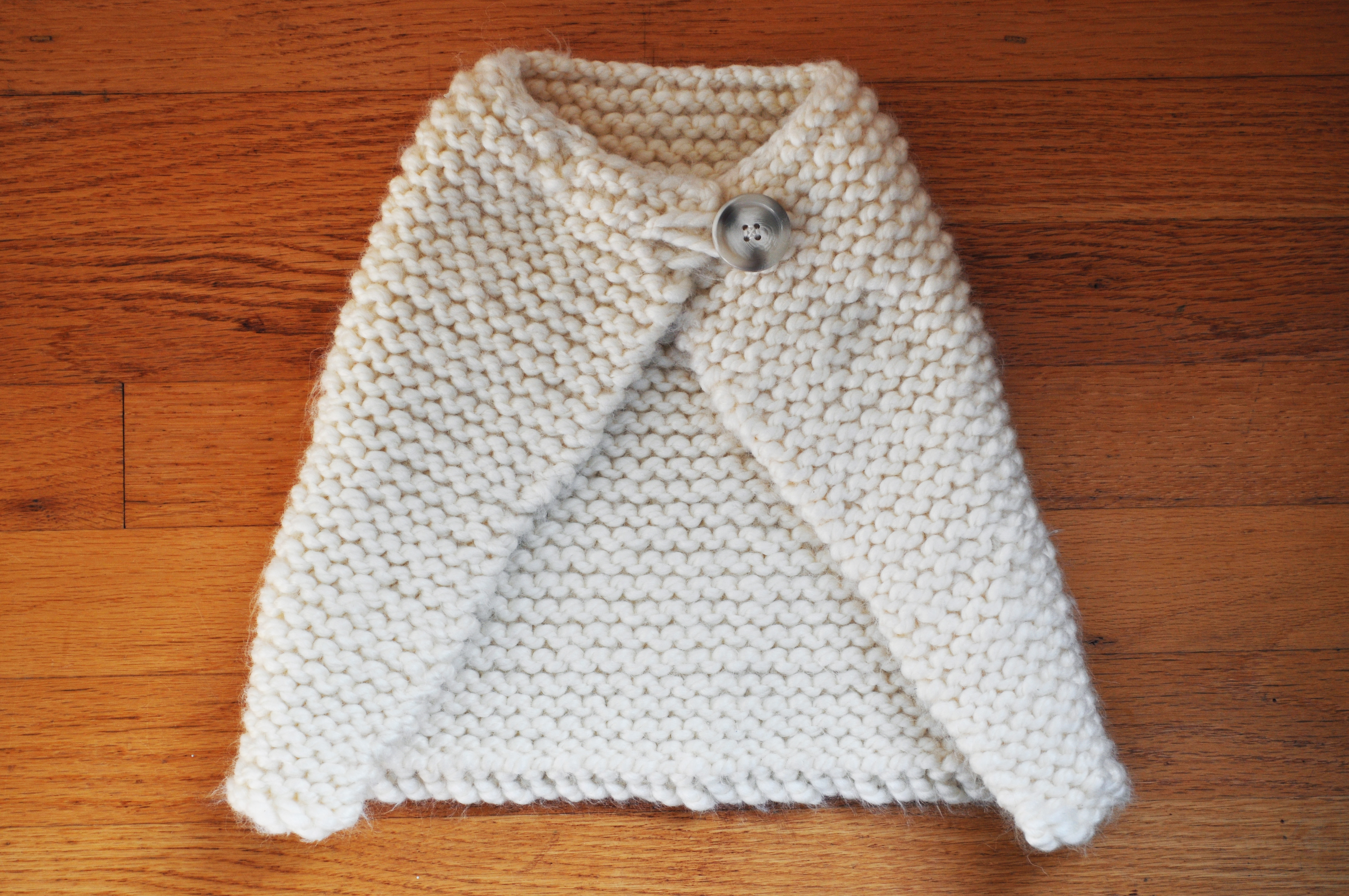 Knitting Pattern For Baby Capelet : A Knitted Baby Cape!   a small life
